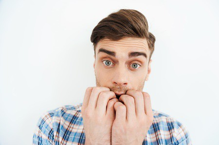 Zenuwachtig en nerveus door gebrek aan zelfvertrouwen